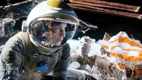 Sandra Bullock no acaba de creerse que haya conseguido el primer puesto.