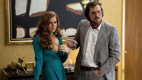 Christian Bale y Amy Adams, una pareja encantadora.