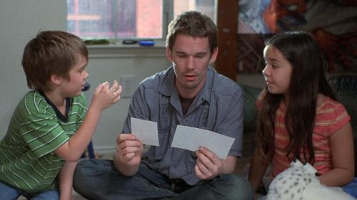 Un padre ausente que difícilmente puede estar doblemente presente.
