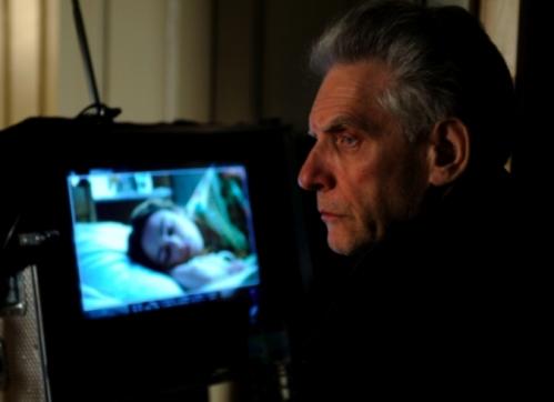 Cronenberg observando desde el combo durante 'Promesas del este'.